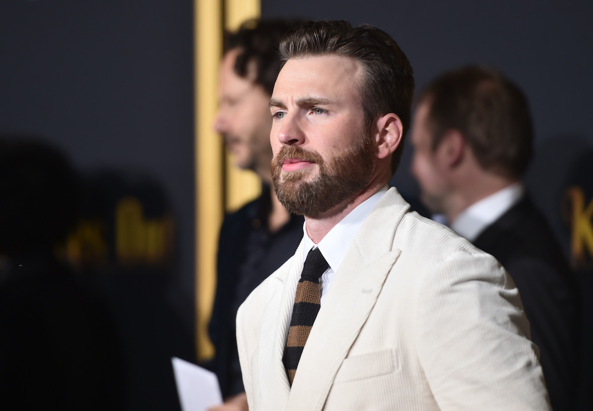 Chris Evans at the 'Knives Out' premiere