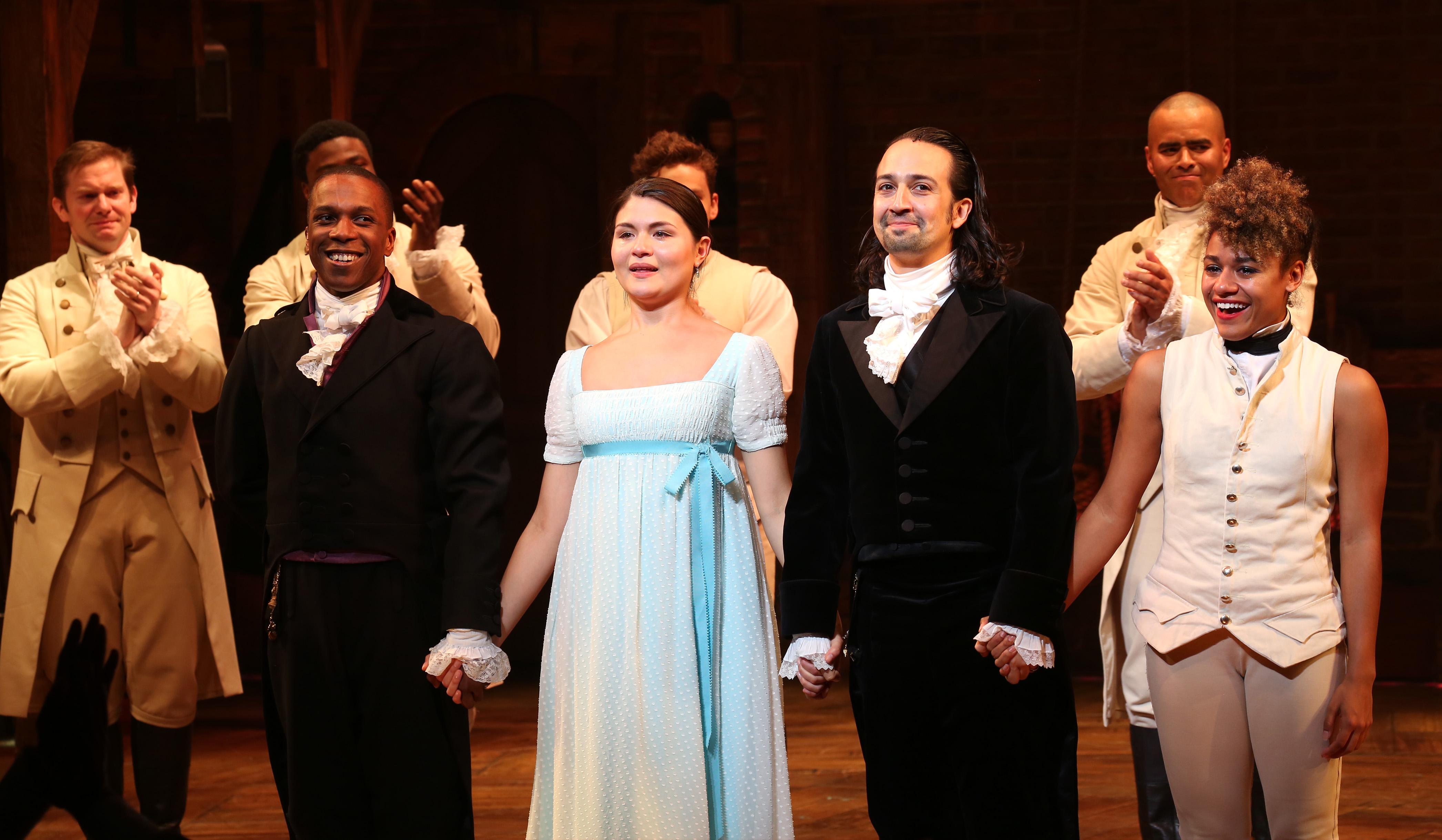 Il cast del musical Hamilton in una rappresentazione del 2015