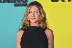 Jennifer Aniston Encourages People to Wear a Mask in a New Instagram Post
