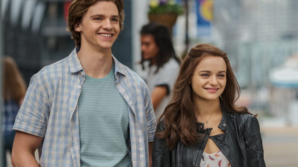 Joel Courtney as Lee Flynn, Joey King as Shelly 'Elle' Evans on 'The Kissing Booth 2'