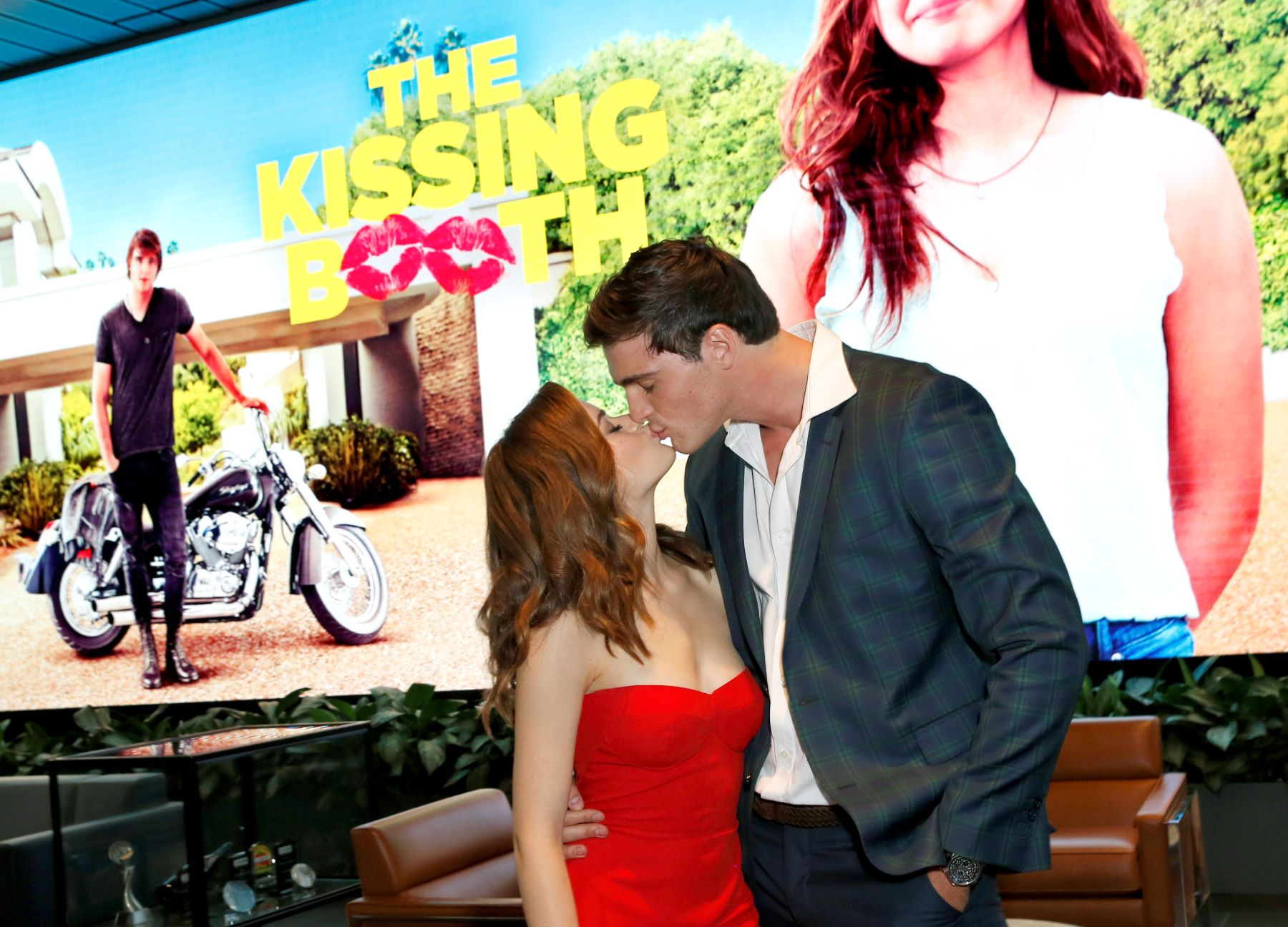 What time is The Kissing Booth 2 on Netflix?