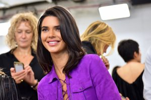 Kendall Jenner Doesn't Speak Directly to Restaurant Staff and Has Someone Else Do the Talking