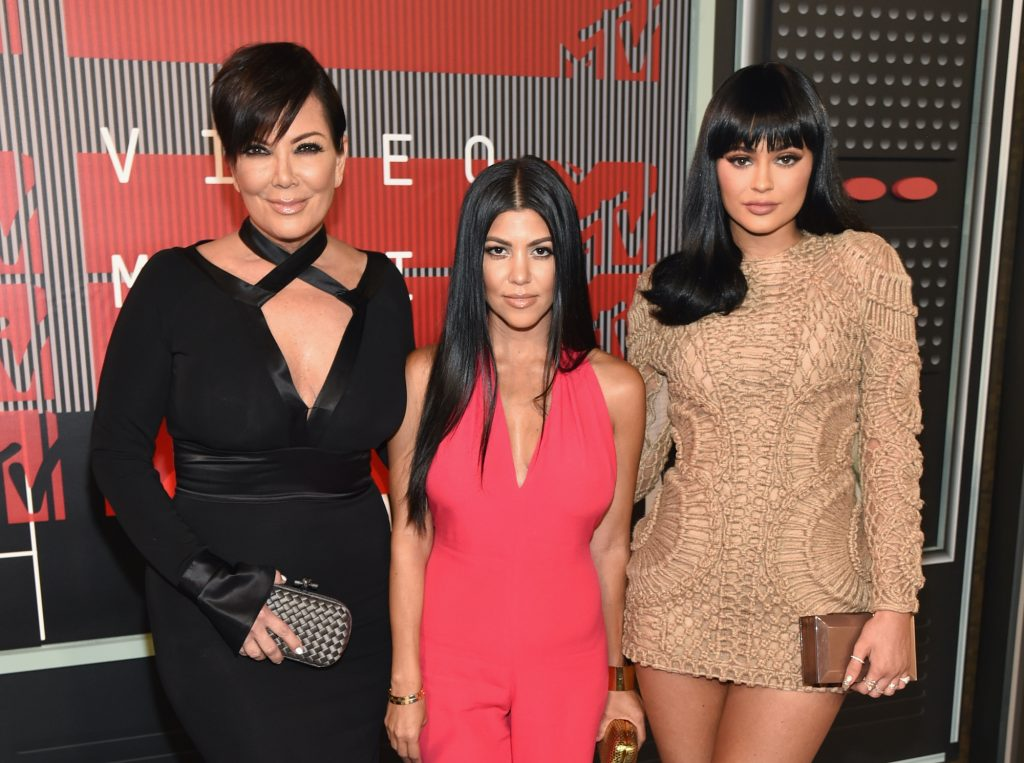 (L-R) TV personalities Kris Jenner, Kourtney Kardashian and Kylie Jenner attend the 2015 MTV Video Music Awards