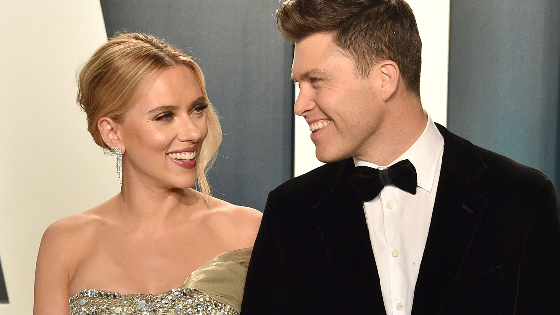 When Will Scarlett Johansson And Colin Jost Get Married The Couple Rethinks Wedding Plans