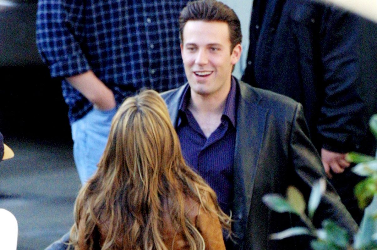 Ben Affleck and J.Lo on set of 'Gigli'