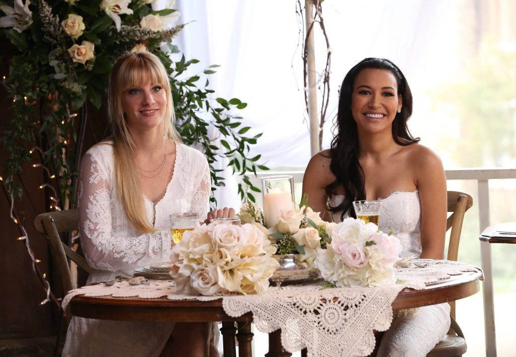 Santana (Naya Rivera, R) and Brittany (Heather Morris, L) tie the knot in 'Glee' episode 'A Wedding