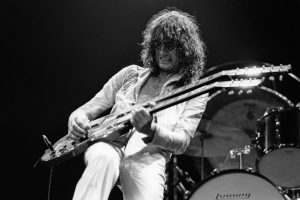 The 'Led Zeppelin IV' Track That Featured a Jimmy Page 'Guitar Army'