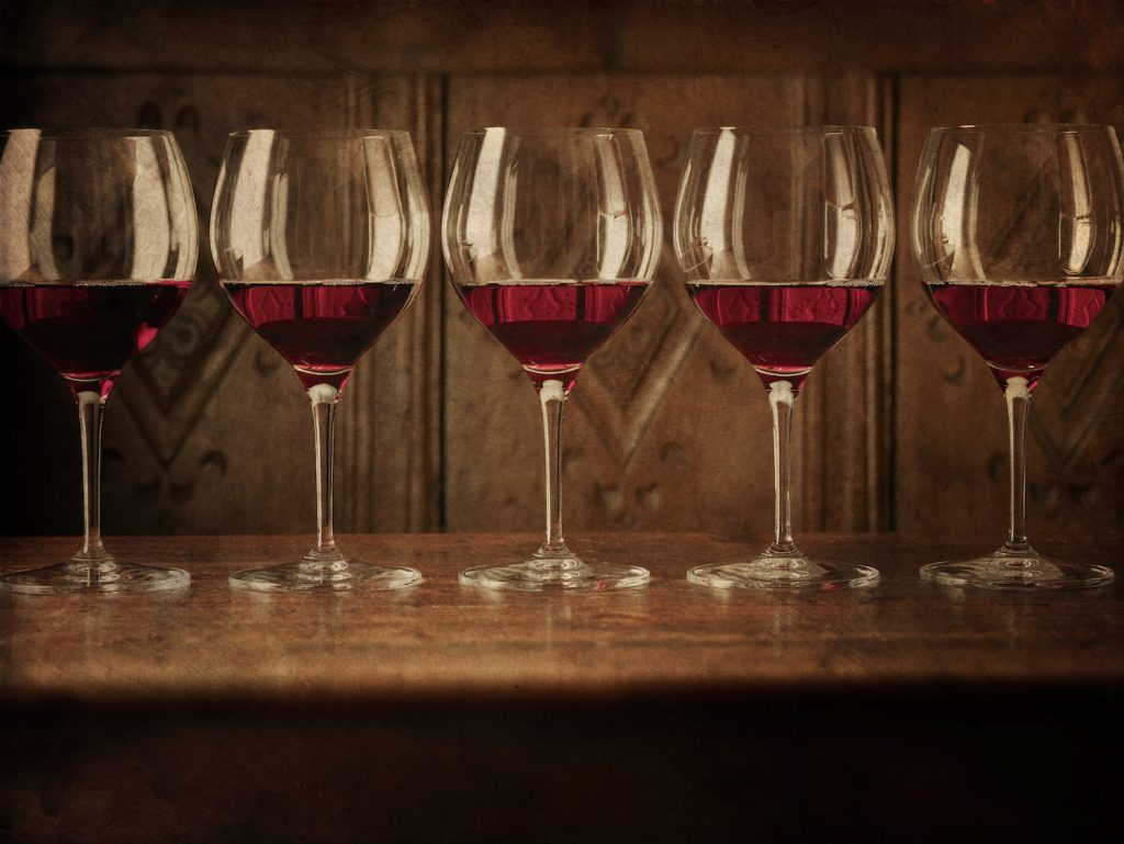 wine glasses with red wine