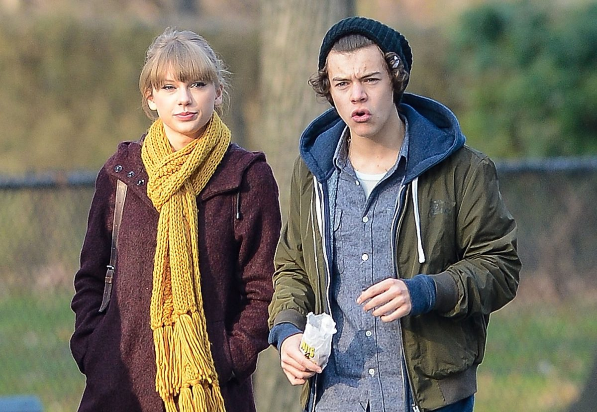 Taylor Swift and Harry Styles are seen walking around Central Park on December 2, 2012 in New York City.