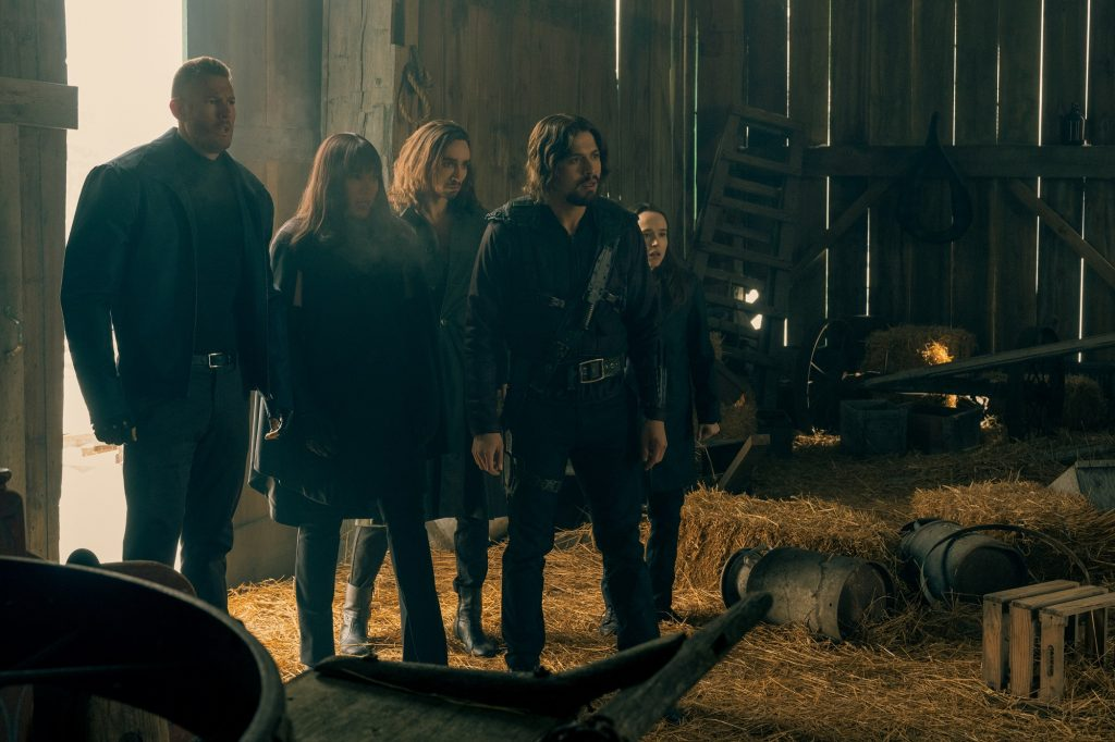 (L to R) Tom Hopper as Luther, Emmy Raver-Lampman as Allison, Robert Sheehan as Klaus, David Castañeda as Diego, and Ellen Page as Vanya Hargreeves in 'The Umbrella Academy'