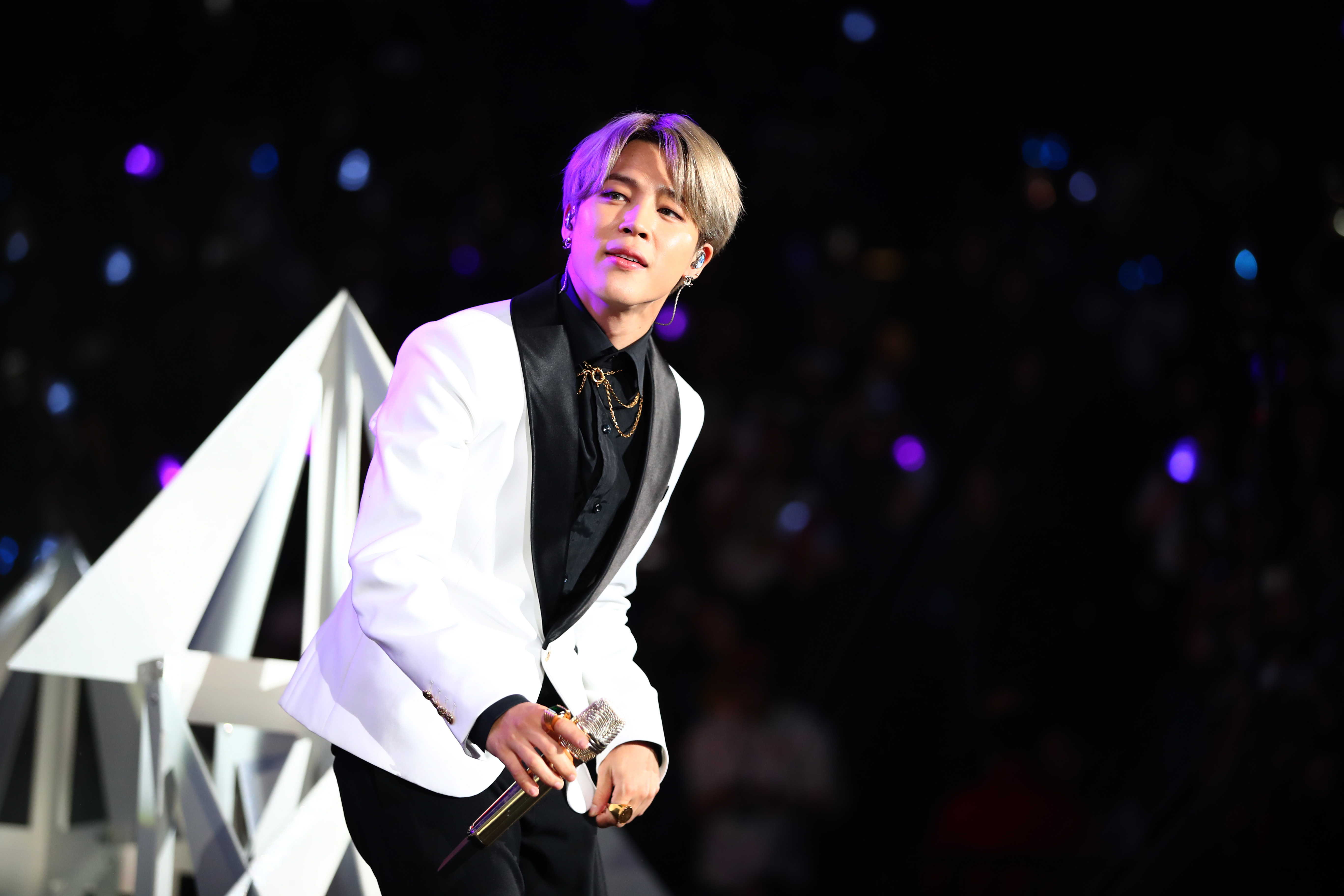 Bts Jimin Trends On Twitter After Subtly Hinting He Has A New Hair Color