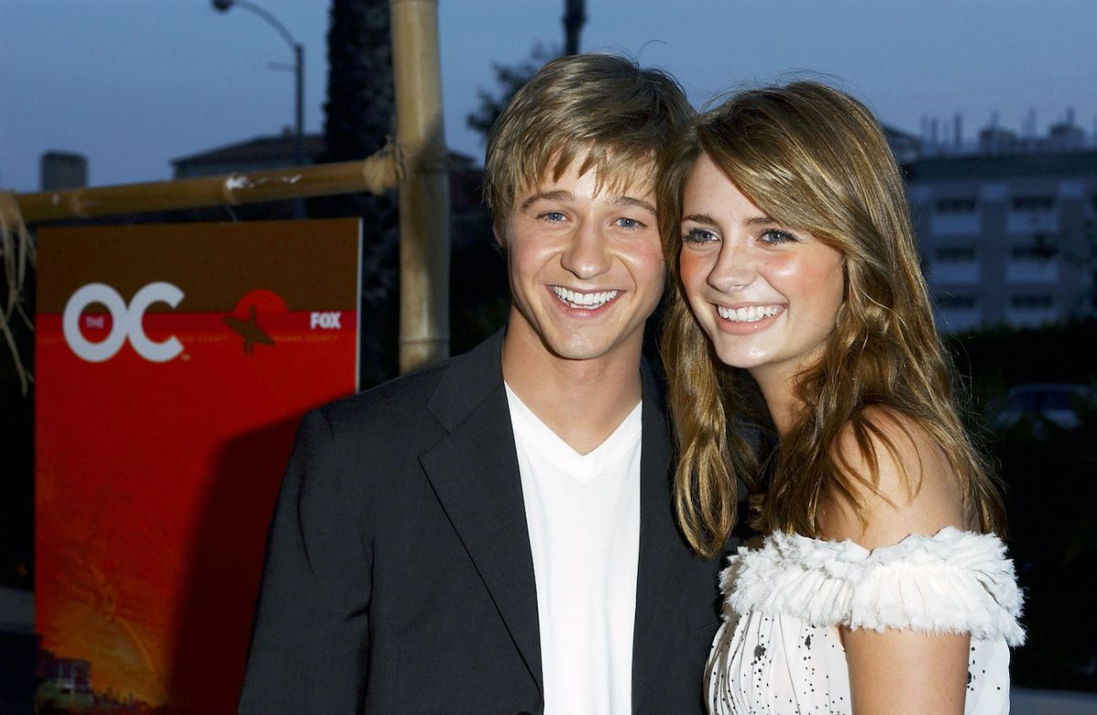 Benjamin McKenzie and Mischa Barton smile for cameras at 'The O.C.' premiere party