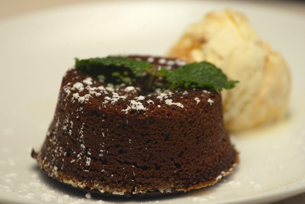 Chocolate Petit Gateaux (French chocolate lava cake)