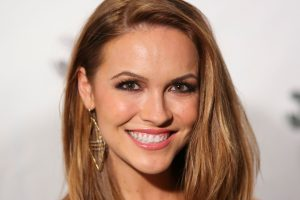 Chrishell Stause Is Estimated To Earn Over $4k for 1 Sponsored Instagram Post