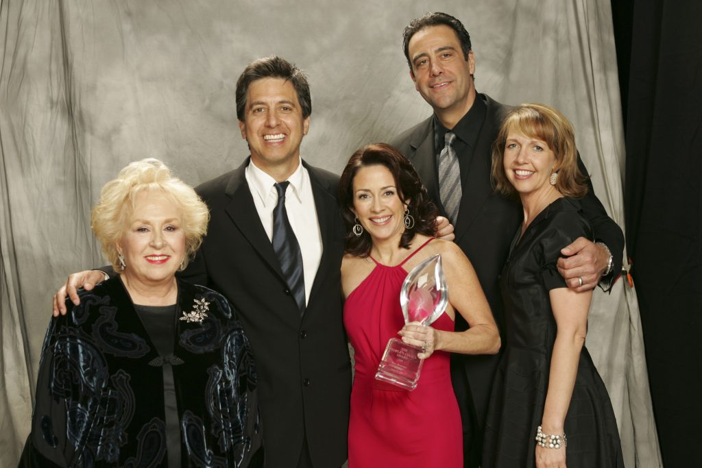 Doris Roberts, left, with the cast of 'Everybody Loves Raymond'