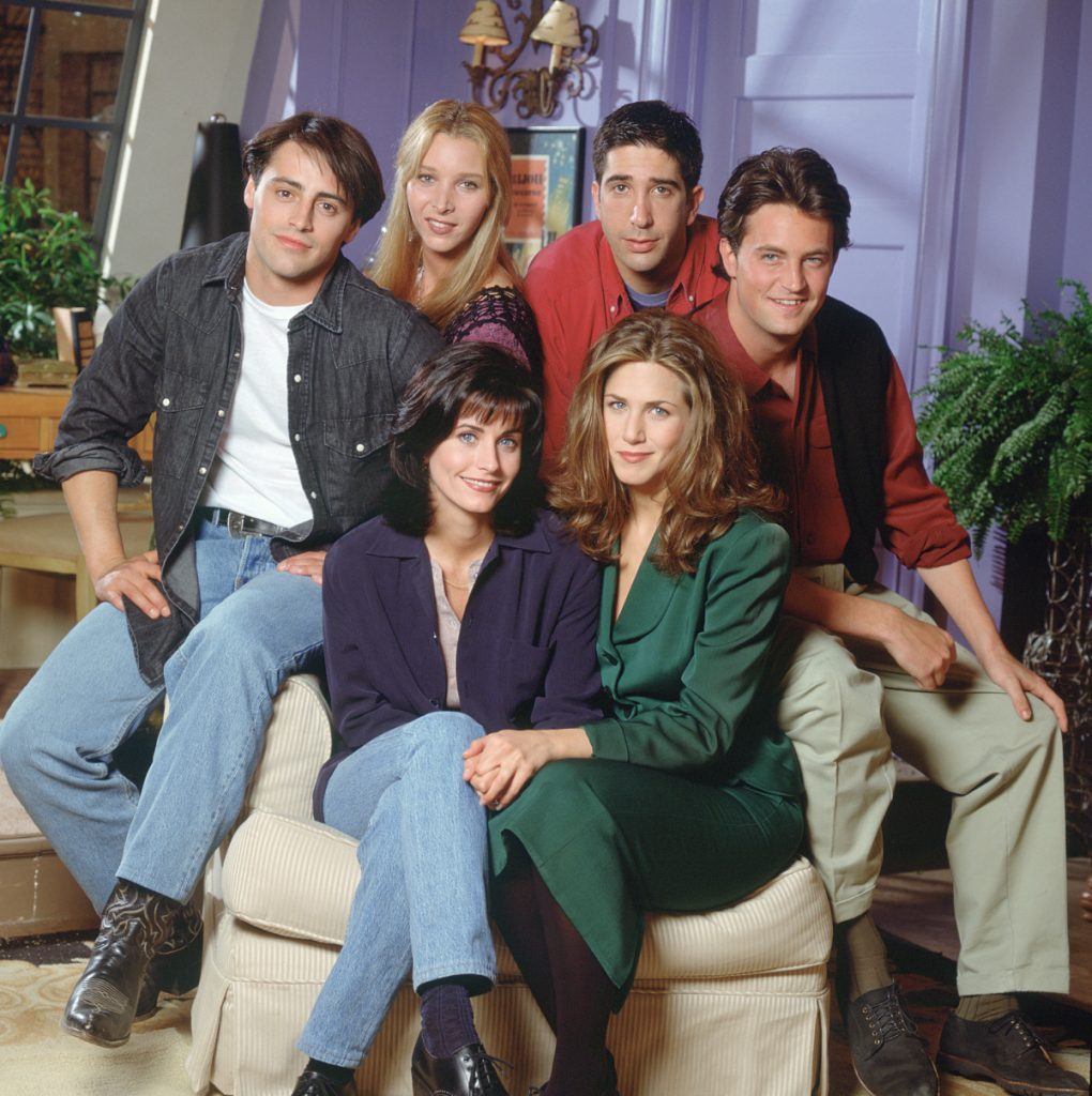 Lisa Kudrow (top row, 2nd from left) with the rest of the cast of 'Friends'