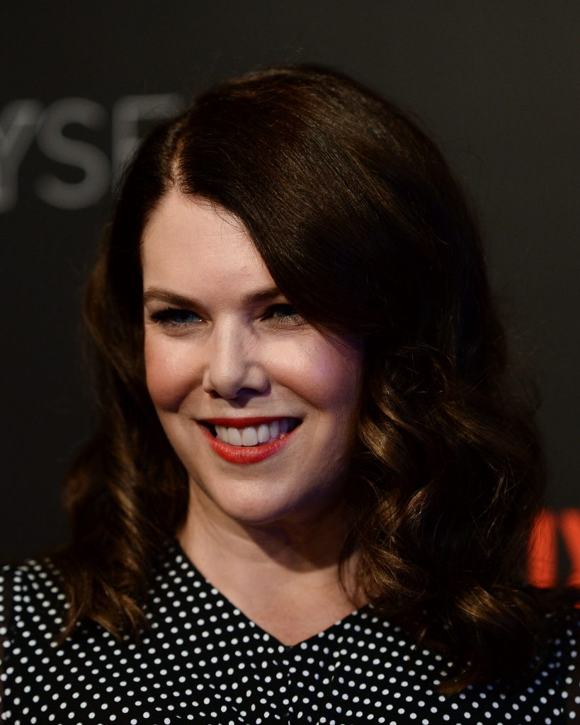 Lauren Graham arrives at a 'Gilmore Girls; A Year in The Life' event