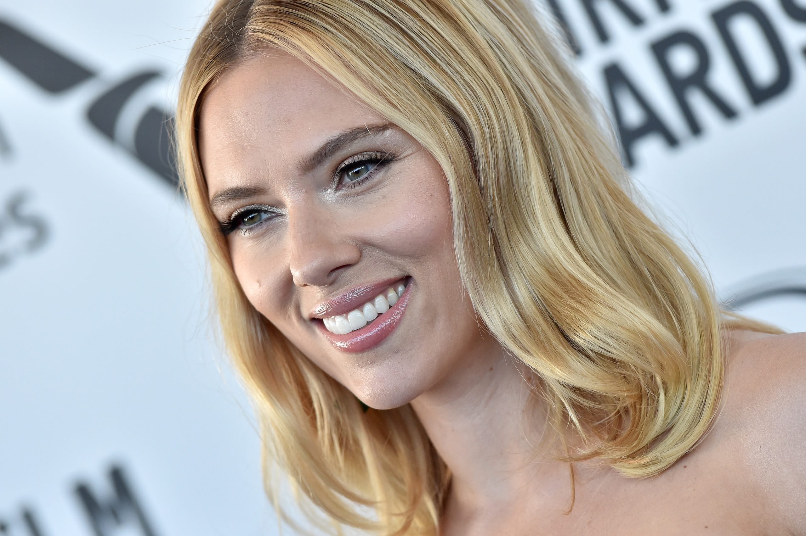 Why Mcu Star Scarlett Johansson Took Aim At The Media After Signing On For Iron Man 2