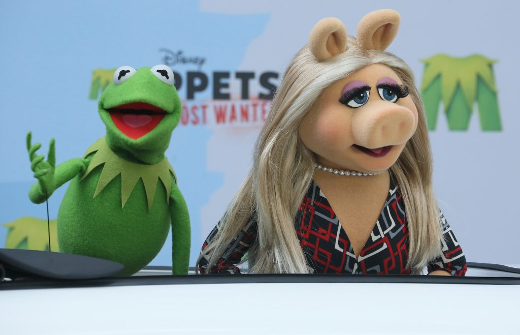 Kermit the Frog and Miss Piggy of 'Muppets Most Wanted'