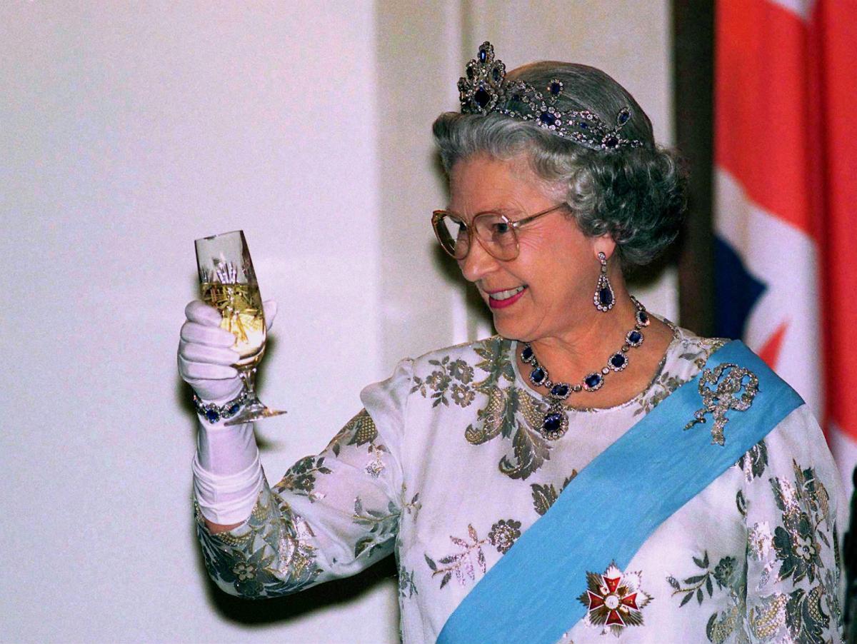 Queen Elizabeth jewelry