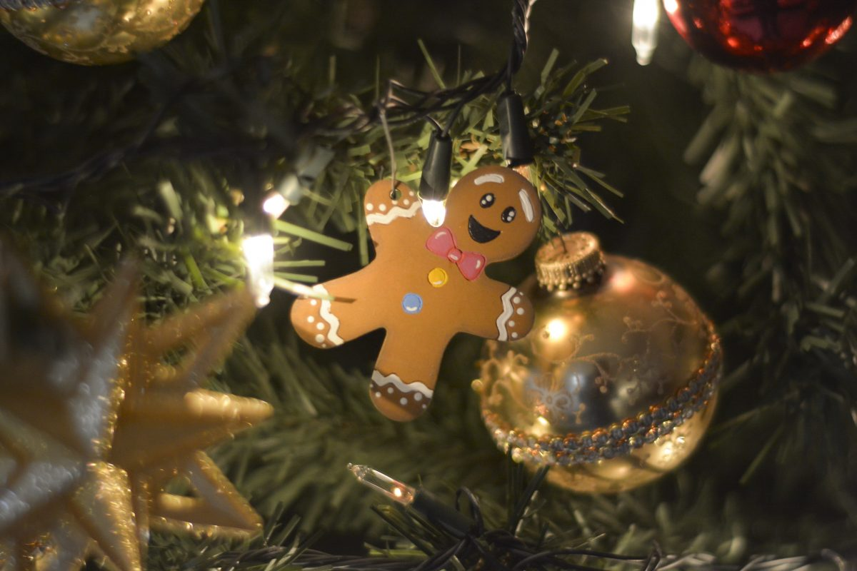 Gingerbread man christmas tree ornament