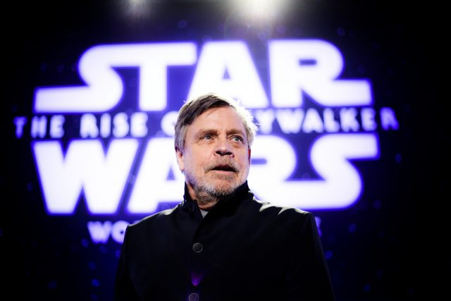 How 'The Rise of Skywalker' Re-Created Mark Hamill's Face to Look Younger