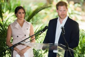 Royal Expert Compares Meghan Markle to Lady Macbeth, Claims Duchess Has 'Preyed on Prince Harry's Weaknesses'
