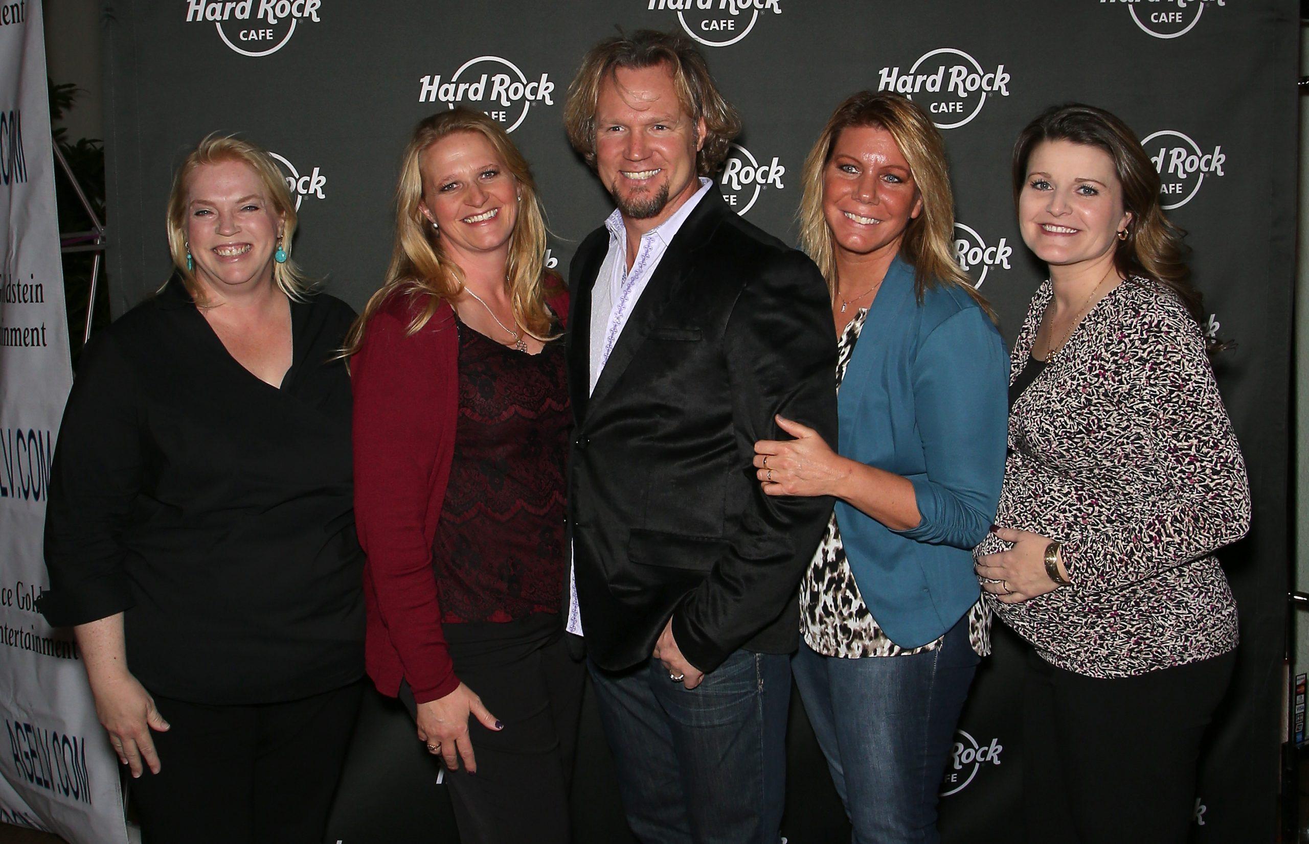 Kody Brown (C) and (L-R) Janelle Brown, Christine Brown, Meri Brown, and Robyn Brown of Sister Wives
