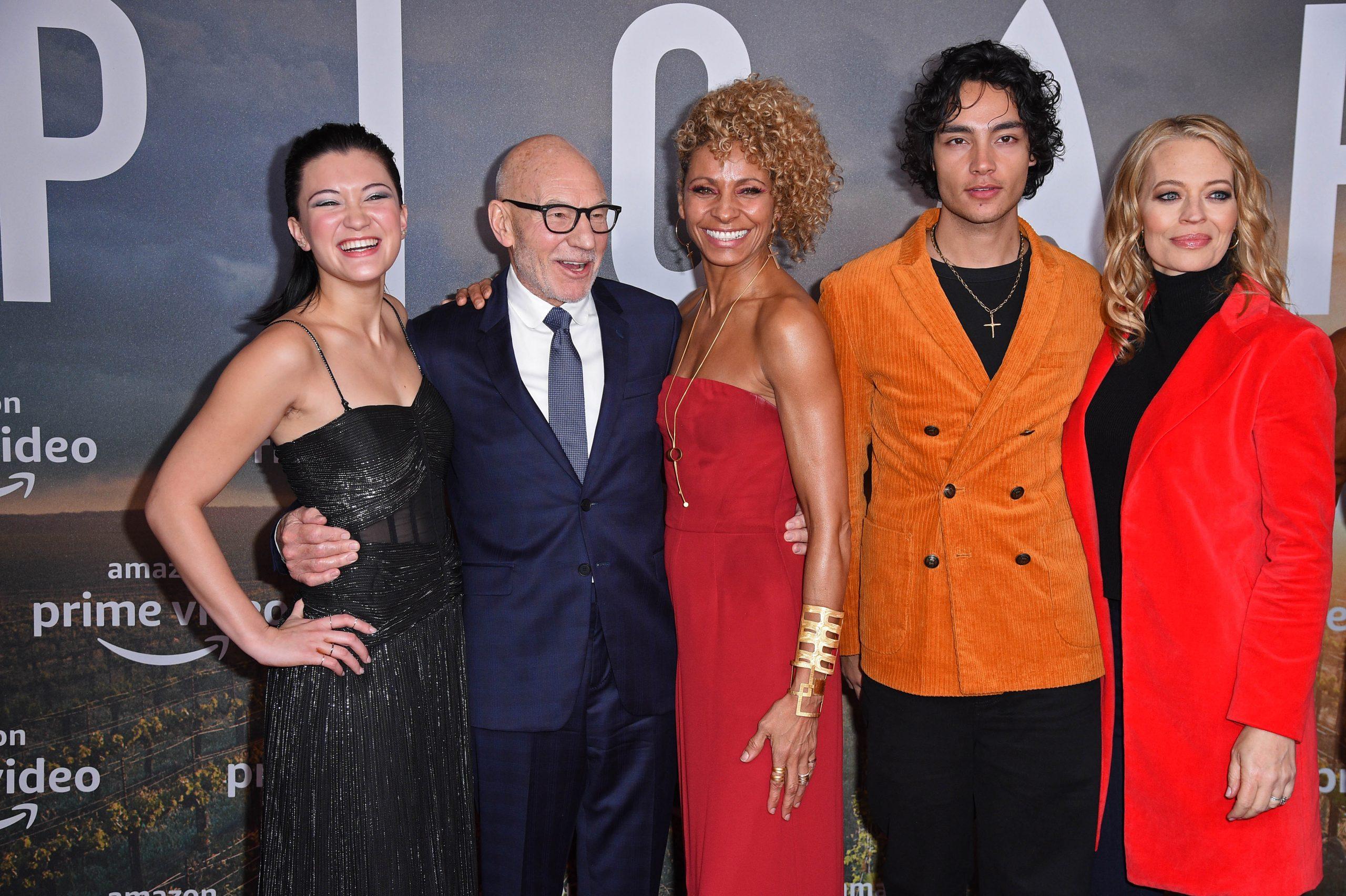 Isa Briones, Sir Patrick Stewart, Michelle Hurd, Evan Evagora, and Jeri Ryan of Star Trek