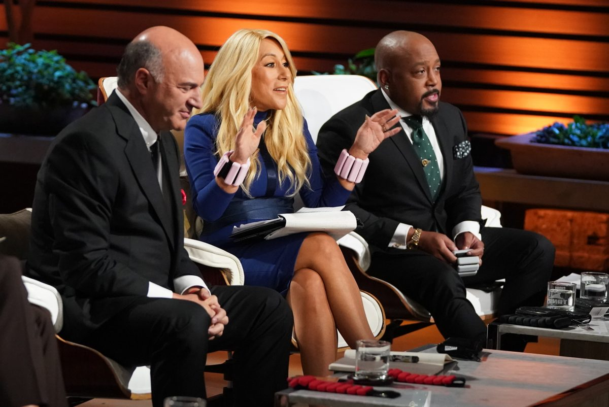 Kevin o'Leary, Lori Grenier and Daymond John listen to a pitch