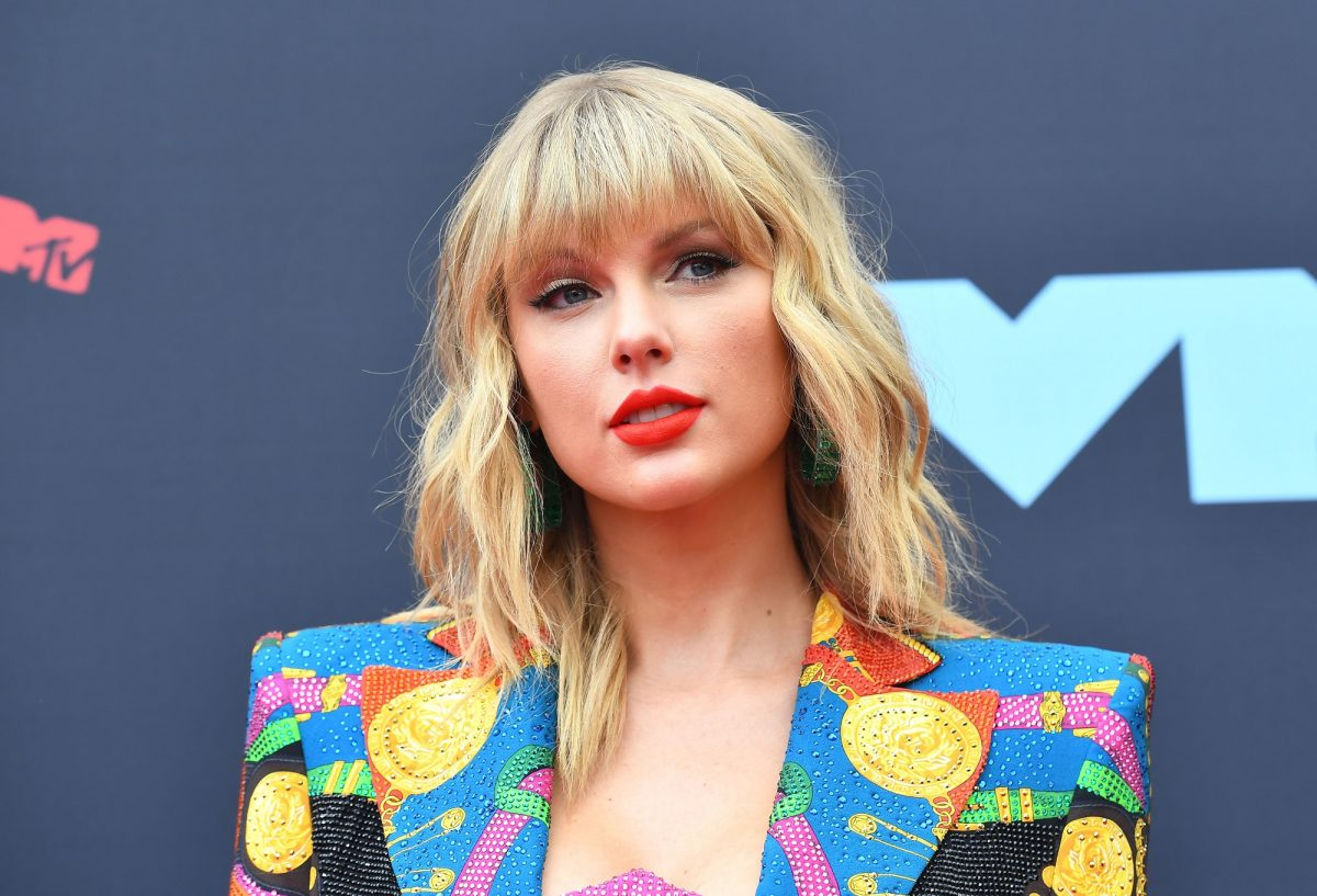 Taylor Swift arrives for the 2019 MTV Video Music Awards on August 26, 2019.