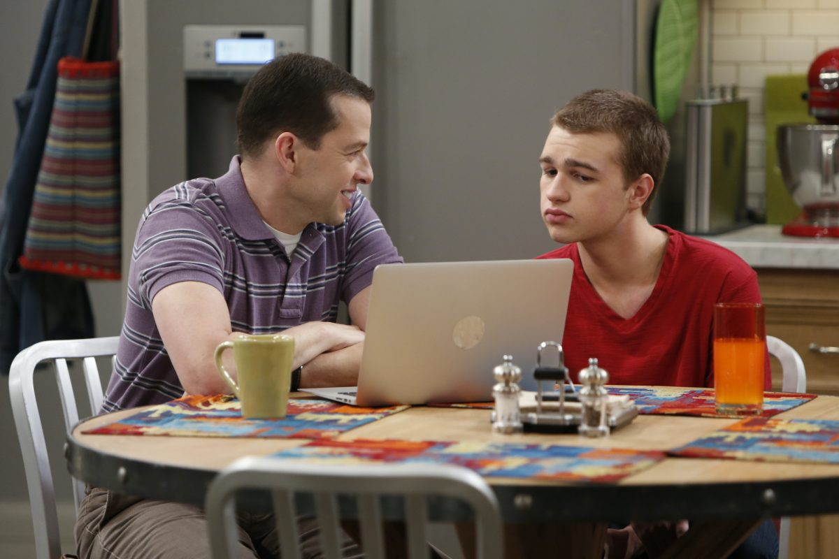 Alan Harper (Jon Cryer), Right: Jake Harper (Angus T. Jones)