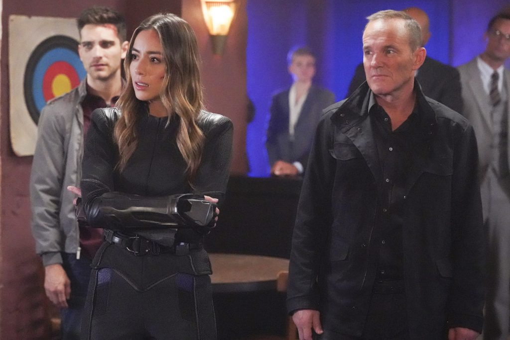 """MARVEL'S AGENTS OF S.H.I.E.L.D. - """"The End is at Hand/What We're Fighting For"""" - With their backs against the wall and Nathaniel and Sibyl edging ever closer to eliminating S.H.I.E.L.D. from the history books, the agents must rely on their strengths to outsmart and outlast the Chronicoms"""