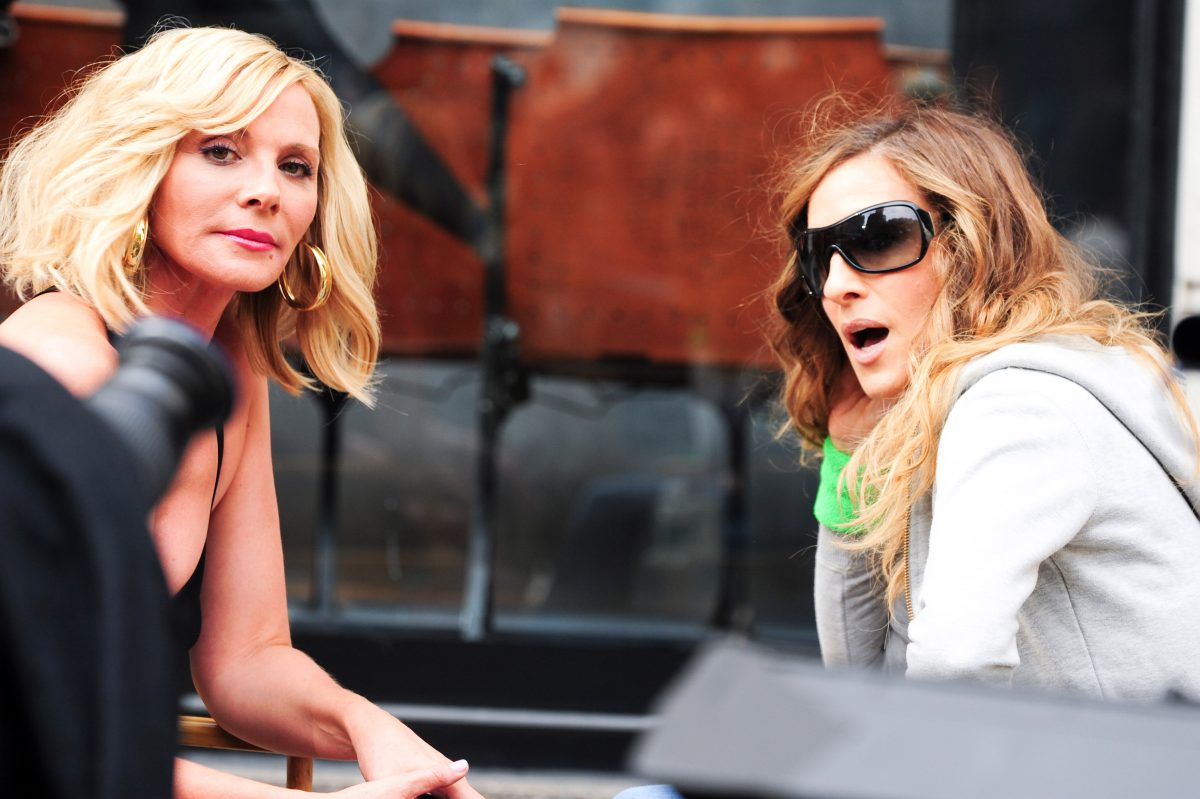 """Kim Cattrall and Sarah Jessica Parker on location at the """"Sex And The City 2"""""""