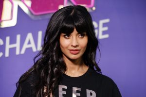 Jameela Jamil Cites 'Privilege' As Her Secret to Clear Skin & Some Twitter Users Are Annoyed