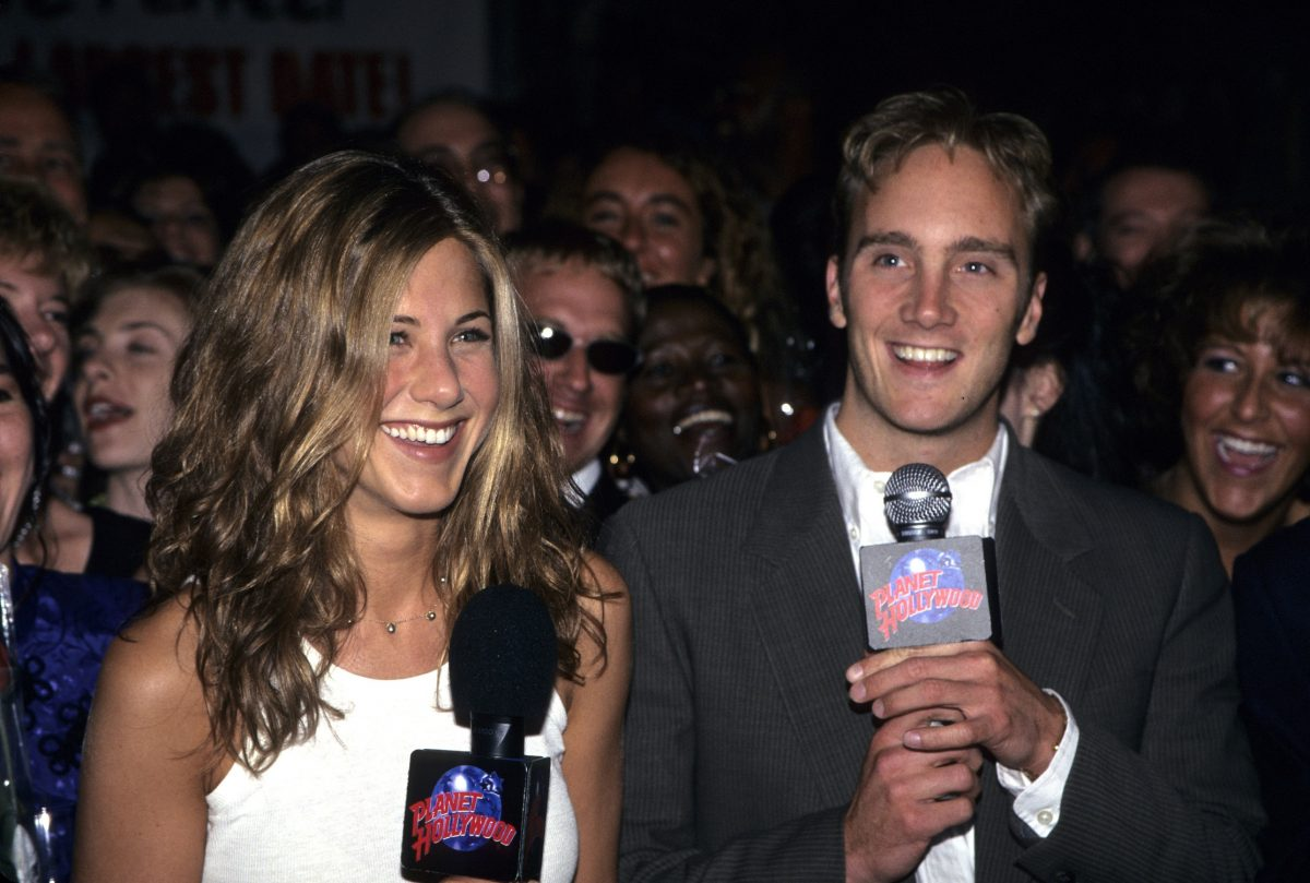 Jennifer Aniston and Jay Mohr at the premiere of 'Picture Perfect'