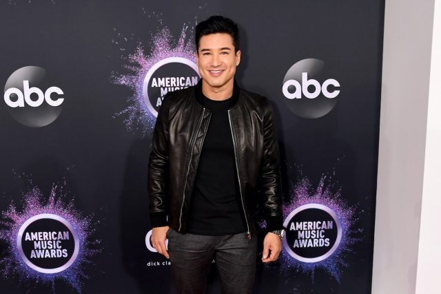 Mario Lopez Teases 'Saved by the Bell' Reboot Release Date