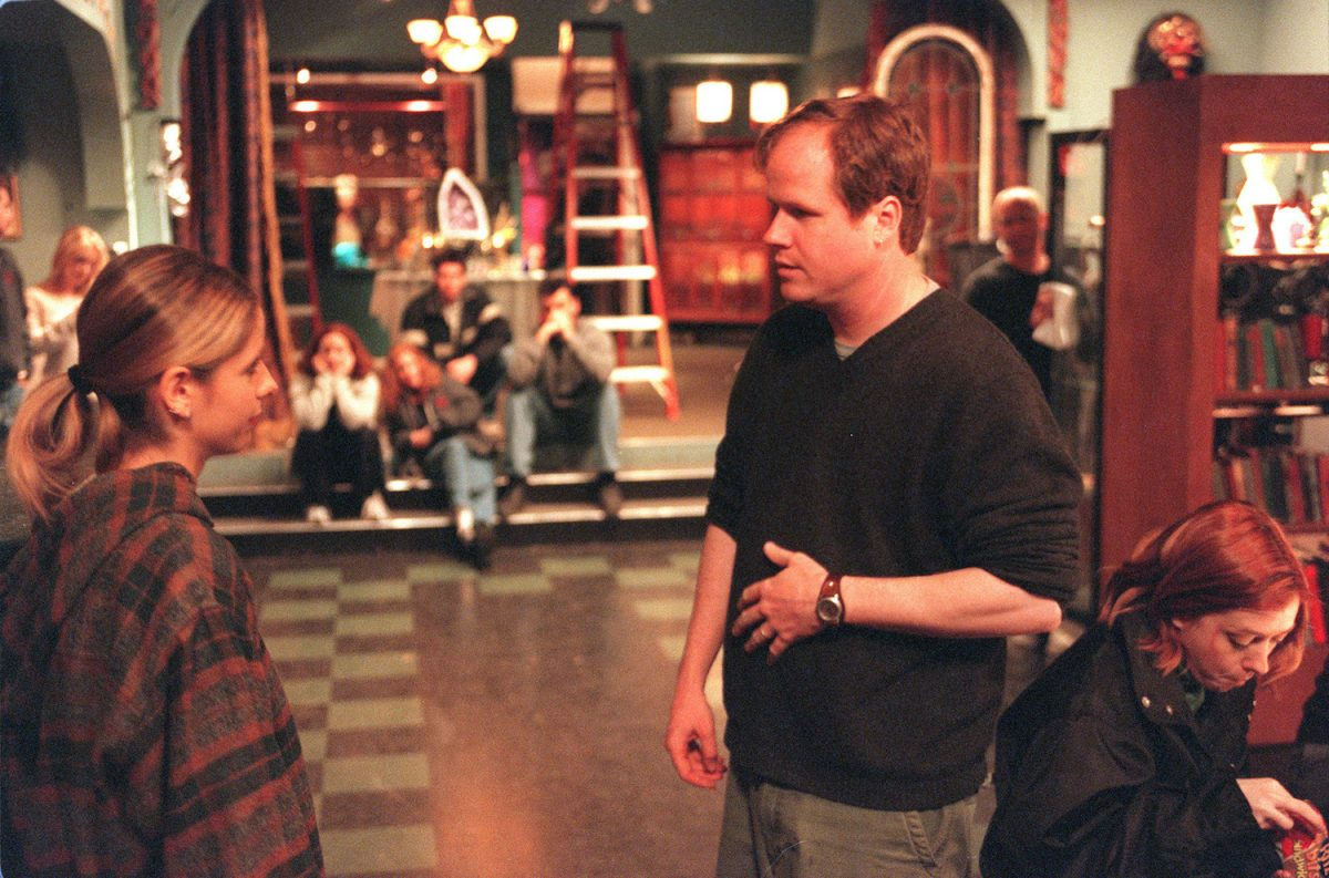 Sarah Michelle Gellar and Joss Whedon on the set of 'Buffy the Vampire Slayer'