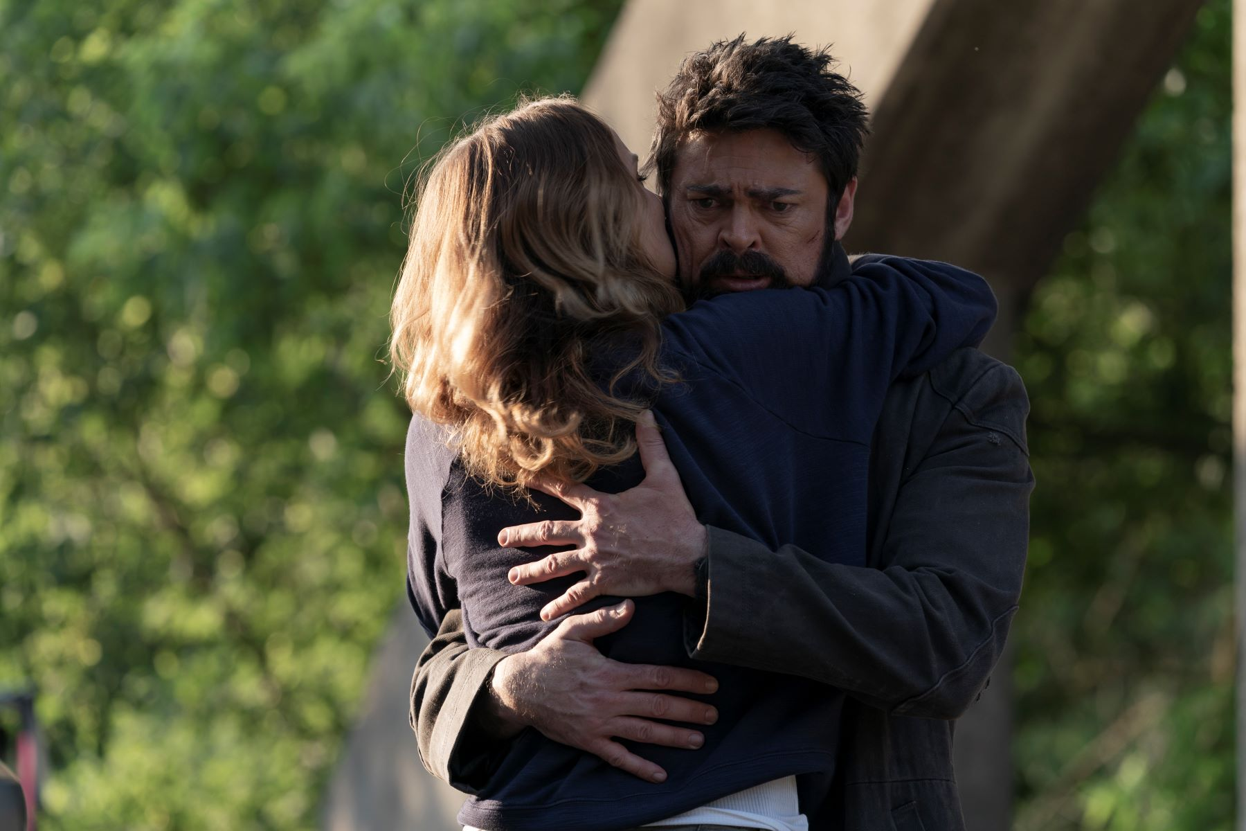 Shantel VanSanten and Karl Urban in The Boys