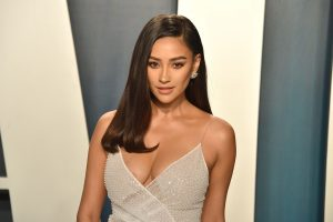 Shay Mitchell Does This Gut Check Before She Posts a Picture To Instagram