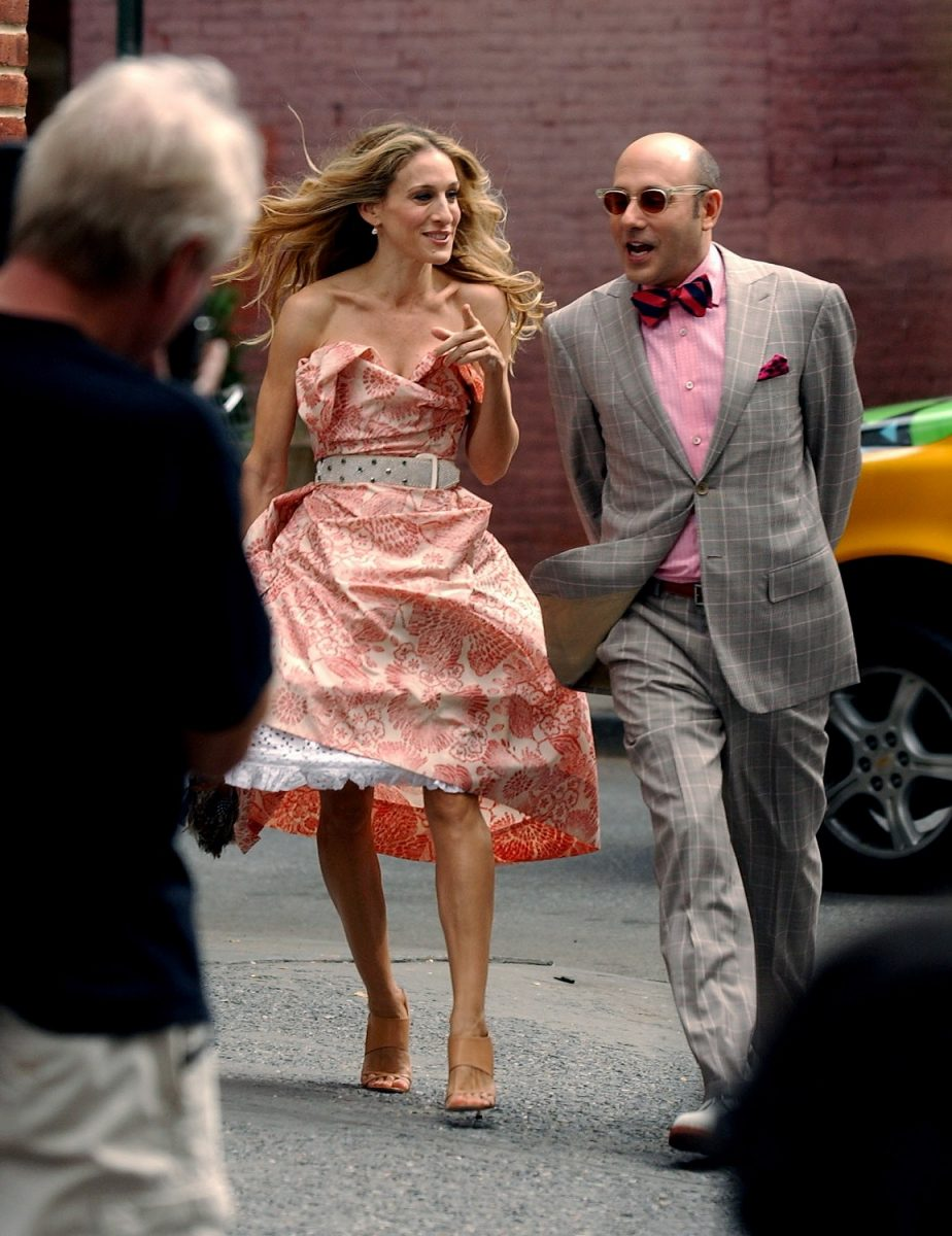 Sarah Jessica Parker as Carrie Bradshaw and Willie Garson as Stanford Blatch on the set of 'Sex and the City: The Movie''