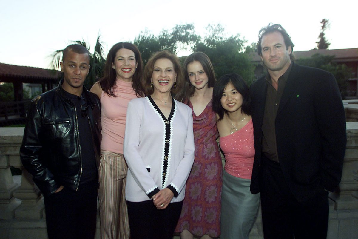 Yanic Truesdale, Lauren Graham, Kelly Bishop, Alexis Bledel, Keiko Agena, and Scott Patterson at the 2001 TCA Awards