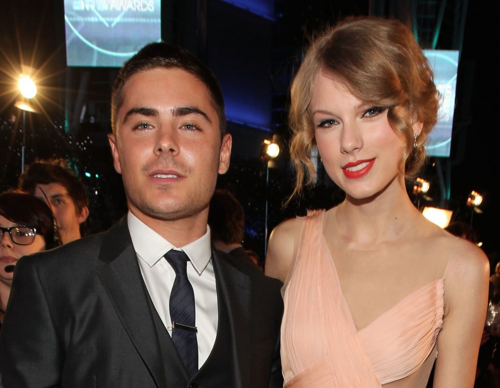 Zac Efron and Taylor Swift arrive at the 2011 People's Choice Awards