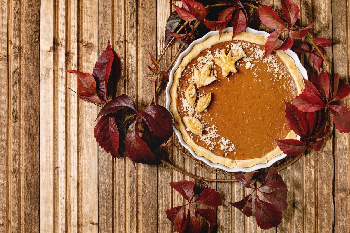 Pumpkin pie with leaves