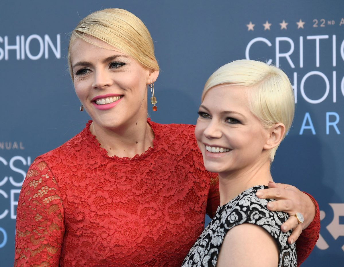 Busy Philipps (L) and Michelle Williams attend The 22nd Annual Critics' Choice Awards on December 11, 2016 in Santa Monica, California.