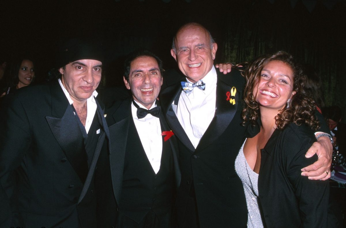 David Proval with Aida Turturro, Steve Van Zandt, and Peter Boyle