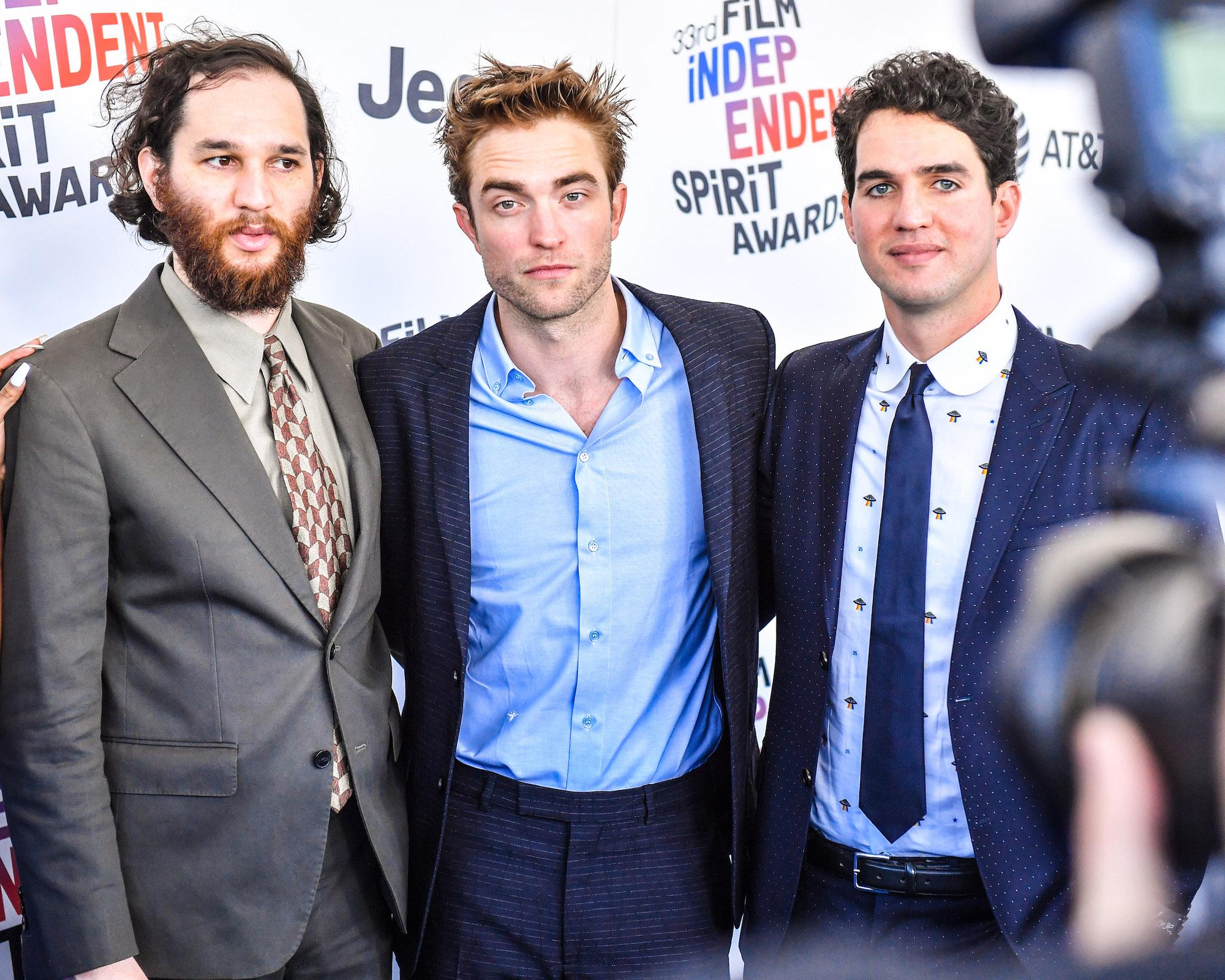Josh Safdie, Robert Pattinson, and Benny Safdie at the 2018 Film Independent Spirit Awards on March 3, 2018