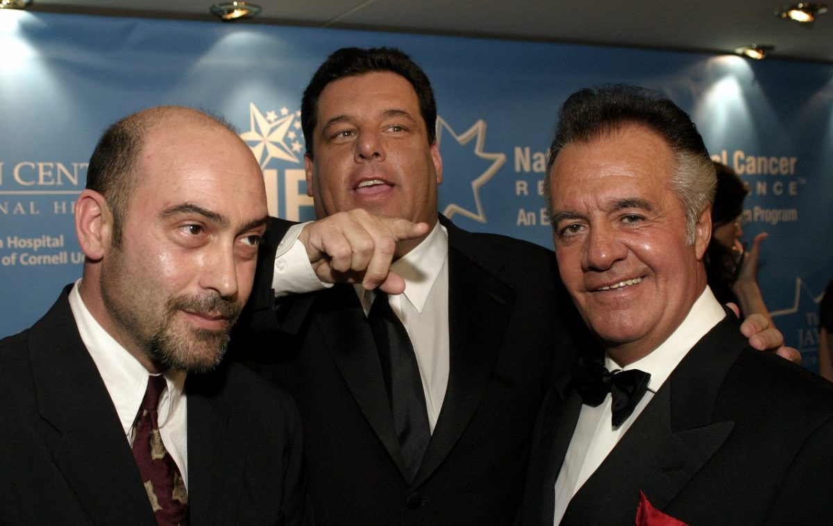 'Sopranos' actors smile and pose together