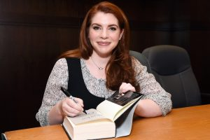 Stephenie Meyer Appreciates Fanfiction but Urges Writers To 'Go Do Something You Can Claim' Too