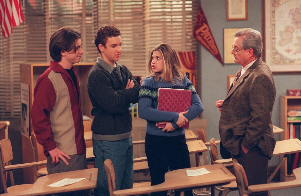 (L-R) Ryder Strong, Ben Savage, Danielle Fishel, William Daniels on 'Boy Meets World'